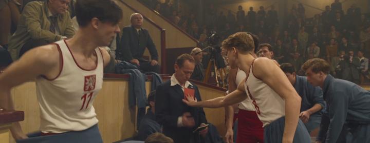 Zlatý podraz je film o pevnosti přátelství i chvílích, kdy má svoboda namále, říká jeho scénárista JakubBažant.